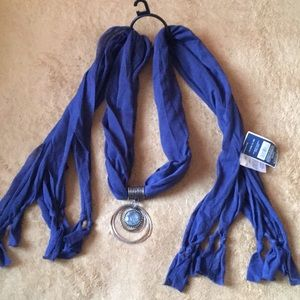West Loop Blue Charm scarf New with tag
